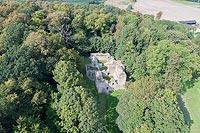 Zamek w Bąkowej Górze - Widok zamku z lotu ptaka, fot. ZeroJeden VIII 2018