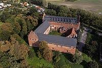 Zamek w Barcianach - Zdjęcie lotnicze, fot. ZeroJeden, IX 2021