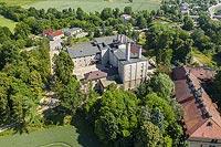 Zamek w Branicach - Zdjęcie lotnicze, fot. ZeroJeden, VI 2021