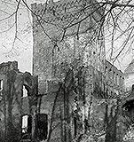 Zamek w Braniewie - Pozostałości murów zamku i szkoły w okresie międzywojennym