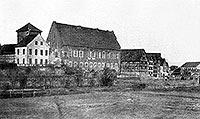 Zamek w Braniewie - Zamek przed przebudową na szkołę na zdjęciu z 1873 roku