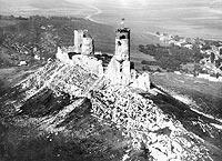 Zamek w Chęcinach - Zamek na zdjęciu lotniczym z okresu międzywojennego
