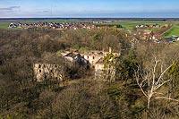 Zamek w Chrzelicach - Zamek na zdjęciu lotniczym, fot. ZeroJeden, X 2020