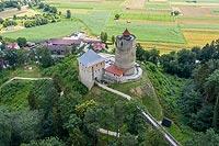 Zamek w Czchowie - zdjęcie lotnicze, fot. ZeroJeden, VII 2020