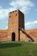 Zamek w Czersku - Wieża bramna od strony dziedzińca, fot. ZeroJeden, IV 2005