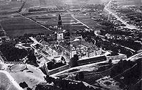 Klasztor na Jasnej Górze w Częstochowie - Klasztor w Częstochowie na fotografii z lat 30. XX wieku
