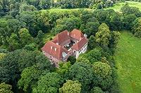 Zamek w Dębnie - zdjęcie lotnicze, fot. ZeroJeden, VII 2020