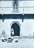 Zamek w Dębnie - Dziedziniec zamkowy na zdjęciu z lat 20. XX wieku