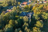 Zamek w Dobroszycach - Zdjęcie lotnicze, fot. ZeroJeden, X 2019