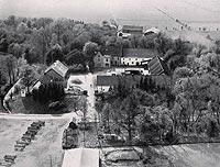 Zamek w Grabinach-Zameczku - Zamek w Grabinach na zdjęciu lotniczym z około 1940 roku