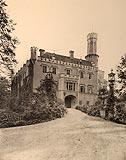 Zamek w Karpnikach - Robert Weber, Schlesische Schlosser, 1909