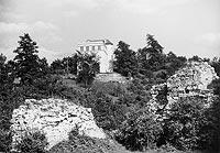 Zamek w Kazimierzu Dolnym - Ruiny zamku w Kazimierzu na fotografii Vandreya z lat 1940-44