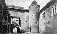 Zamek w Kętrzynie - Dziedziniec zamku w Kętrzynie na pocztówce z lat 20. XX wieku