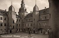 Zamek w Kostrzynie nad Odrą - Dziedziniec zamkowy na widokówce z lat 20. XX wieku