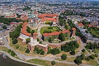 Zamek na Wawelu w Krakowie - Widok zamku na zdjęciu lotniczym, fot. ZeroJeden, VI 2019