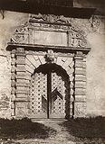 Zamek w Krasiczynie - Portal wejściowy na zdjęciu z lat 20. XX wieku