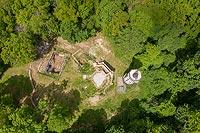 Zamek Gromnik w Krasiewicach - Zdjęcie z lotu ptaka, fot. ZeroJeden, V 2020
