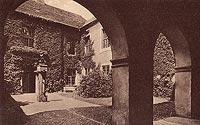 Zamek w Łagowie - Dziedziniec zamku w Łagowie na widokówce z 1920 roku