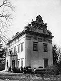 Zamek w Łękach Górnych - Dwór w Łękach na fotografii Augusta Mielca Jadernego z okresu międzywojennego