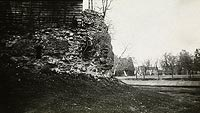 Zamek w Lubawie - Pozostałości zamku w Lubawie na zdjęciu Adama Wisłockiego z lat 20. XX wieku