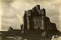 Zamek Mirów - Zamek w Mirowie na zdjęciu Stefana Plater-Zyberka z około 1930 roku