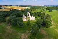 Zamek w Mokrsku Górnym - Ruiny od południowego-wschodu, fot. ZeroJeden, XI 2000