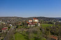 Zamek w Morawicy - Zdjęcie lotnicze, fot. ZeroJeden, IV 2021