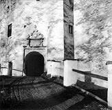 Zamek w Niedzicy - Brama zamku w Niedzicy na zdjęciu Kahlenberga z lat 1939-45