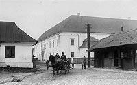 Zamek w Niepołomicach - Zamek w Niepołomicach na fotografii z 1930 roku
