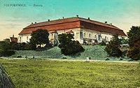 Zamek w Niepołomicach - Zamek w Niepołomicach na pocztówce z 1912 roku