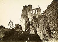 Zamek Kamieniec w Odrzykoniu - Ruiny Kamieńca na zdjęciu Adama Wisłockiego z lat 20. XX wieku