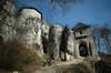 Zamek w Ojcowie - Brama wjazdowa od wschodu, fot. ZeroJeden, IV 2006