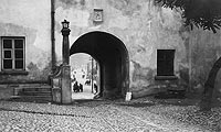 Zamek w Opocznie - Zamek w Opocznie na zdjęciu z okresu międzywojennego