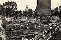 Zamek na Ostrówku w Opolu - Wieża Piastowska i pozostałości rozebranego zamku w 1931 roku