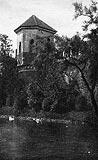 Zamek w Oporowie - Zamek w Oporowie w okresie międzywojennym