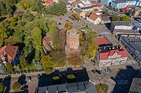 Zamek w Ostrzeszowie - fot. ZeroJeden, X 2002