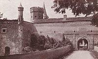 Zamek Pieskowa Skała - Brama i bastion na pocztówce sprzed 1938 roku