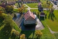 Zamek w Piotrowicach Świdnickich - Zdjęcie lotnicze, fot. ZeroJeden, X 2019