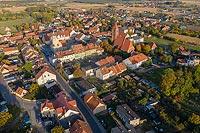 Zamek w Prusicach - Zdjęcie lotnicze, fot. ZeroJeden, X 2019