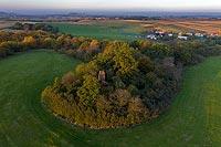 Zamek w Przystroniu - Zamek na zdjęciu lotniczym, fot. ZeroJeden, X 2020