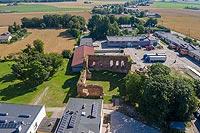 Zamek w Radzikach Dużych - Zdjęcie lotnicze, fot. ZeroJeden, VII 2020
