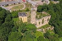 Zamek w Ratnie Dolnym - Zdjęcie lotnicze, fot. ZeroJeden, VII 2019