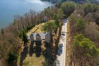 Zamek w Rożnowie-Łaziskach - Zdjęcie lotnicze, fot. ZeroJeden, IV 2021