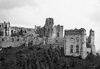 Zamek Tenczyn w Rudnie - Zamek Tenczyn na zdjęciu Albina Friedricha z końca XIX wieku