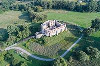 Zamek w Siewierzu - Widok zamku z lotu ptaka, fot. ZeroJeden VIII 2018