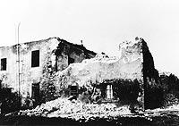 Dwór w Skoczowie - Zniszczony pożarem dwór w Skoczowie na zdjęciu z 1938 roku