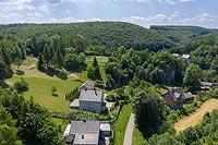 Zamek w Sułoszowej - Widok zamku na zdjęciu lotniczym, fot. ZeroJeden, VI 2019