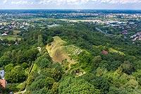 Zamek w Tarnowcu - zdjęcie lotnicze, fot. ZeroJeden, VII 2020