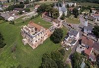 Zamek w Ujeździe - Widok z lotu ptaka, fot. ZeroJeden, VII 2018