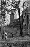 Zamek w Uniejowie - Zamek w Uniejowie na zdjęciu z 1916 roku